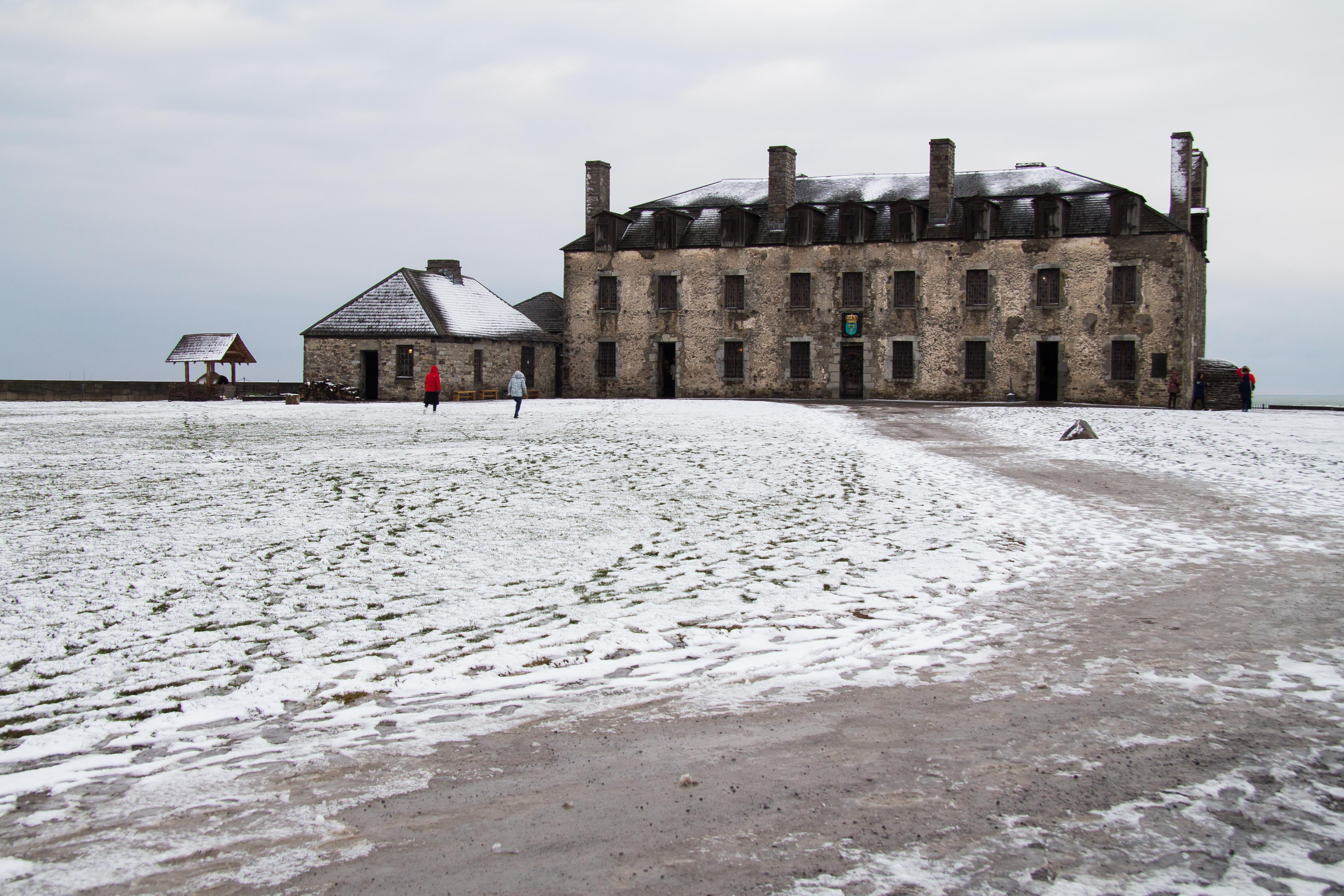 Touring Niagara, Part 2: French Castle – Lost in the Lens